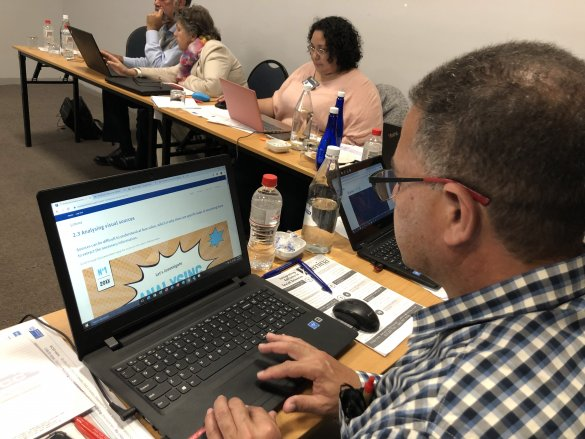 Integrating Educational Technology in Social Sciences – an Online Course for Teachers!