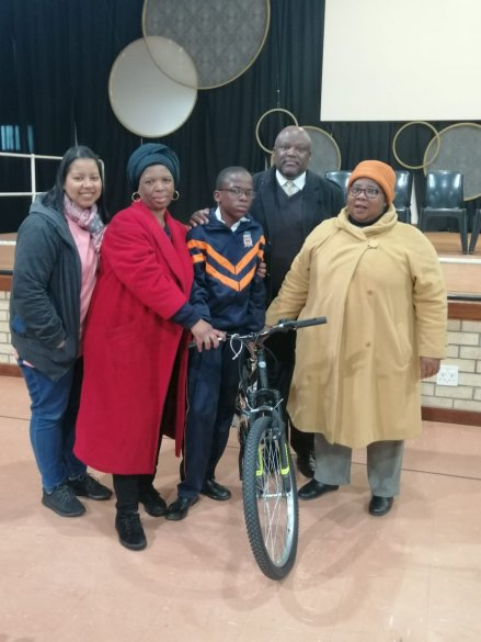 Tembaletu school wins recycling competition