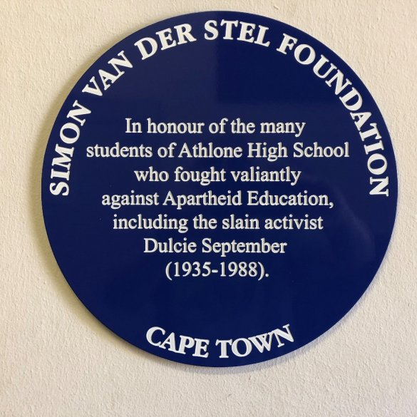 Invitation to schools to apply for blue heritage plaques