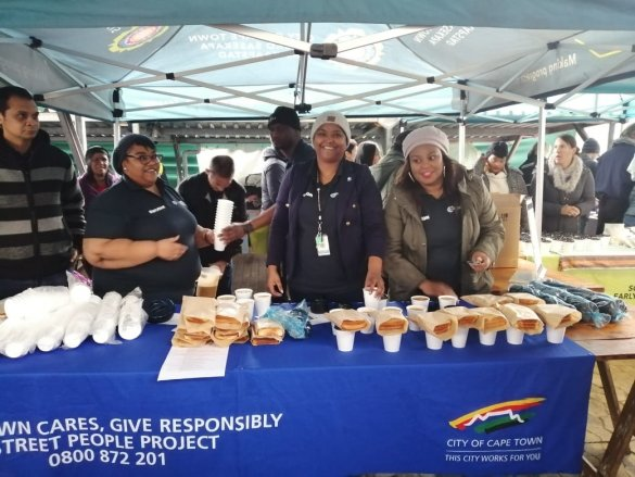 WCED staff spread cheer on Mandela Day