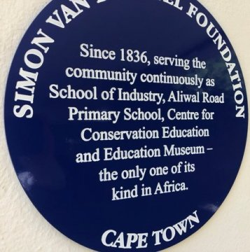 Blue Heritage plaque awarded to the Centre for Conservation Education