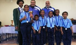 Hermanus teen lauded for coaching young chess players